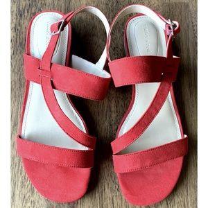 Violet & Red Boden Sandal 8M Faux Suede Red